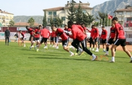 """Ömer Erdoğan: """"Aaron Boupendza bu duruma Hatayspor..."""