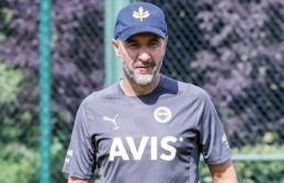 Fenerbahçe'de teknik direktör Vitor Pereira'ya doğum günü kutlaması
