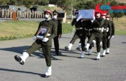 Irak'ın kuzeyindeki Pençe Harekatı bölgesinde şehit olan asker için Hakkari'de tören düzenlendi