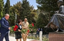 Şentop, Bakü'de Haydar Aliyev'in anıt...