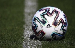 Türk futbol kulüpleri 5 yılın ardından yurt dışından bonservisli oyuncu transferinde açık verdi