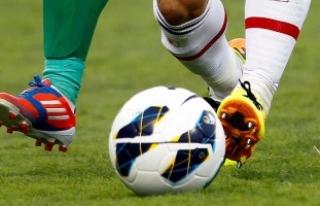 50 yaşındaki futbolcudan rekor