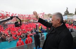 Binali Yıldırım: Anayasa artık Türkiye'ye...