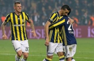 Fenerbahçe Mehmet Topal'ın golüyle güldü