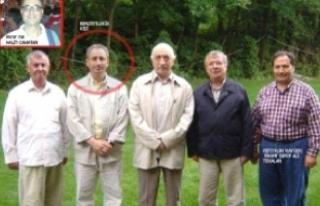 Gülen'in Yanındaki Kişiye Benzerliği Profesörü...