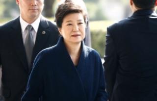Güney Koreli Savcılar Eski Devlet Başkanı İçin...