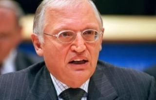 Günter Verheugen: Bu yasaklar Türklere hakaret