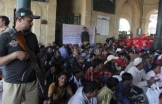 Pakistan en az 100 Hint balıkçıyı gözaltına...