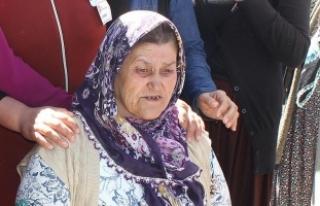 Şehit Ömer Halisdemir'in annesi Fadimana Halisdemir...