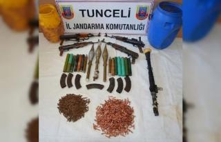 Tunceli'deki operasyonda teröristlere ait sığınaklar...
