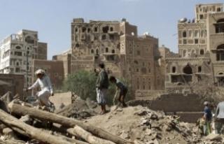 Yemen İçişleri Bakan Yardımcısının aracına...