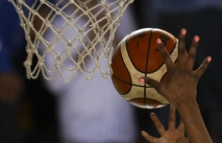 Türkiye, çeyrek finalde Yunanistan'ı 81-63...