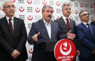 Destici: Hem camiam hem de Türk milleti adına tebrik...