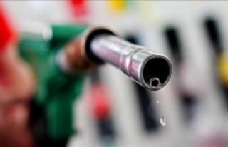 'Benzin ve motorine en az 20 kuruş indirim yapılmalı'
