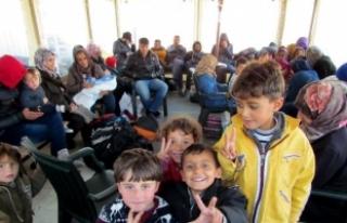 Çeşme açıklarındaki kaçak botunda 68 Suriyeli...