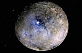 'Cüce gezegen'de buz olabilir'