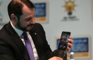 Cumhurbaşkanı Erdoğan 'facetime' üzerinden...