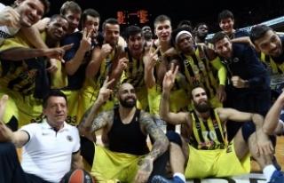Fenerbahçe Erkek Basketbol Takımı Üst Üste 3....