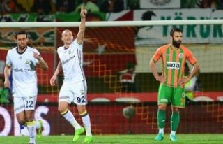 Fenerbahçe kupada Medipol Başakşehir'e konuk...