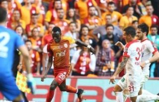 Galatasaray, zirvedekilere karşı saha avantajını...