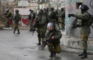 İsrail 24 Filistinliyi gözaltına aldı