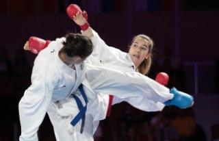 Karatecilerden 12 madalya