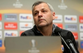 Olympique Lyon Teknik Direktörü Genesio: Yarın...
