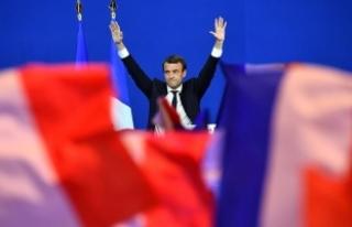 Rus askeri istihbaratı Macron'un kampanyasını...