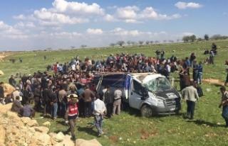Şanlıurfa'da kamyonet devrildi: 4 ölü, 8...