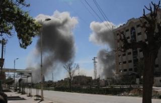 Suriye'de yerleşim yerlerine hava saldırısı