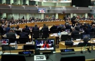 Suriye Konferansı'nda 6 milyar dolar bağış...
