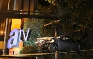 Takla atan otomobil ATV binasının bahçesine uçtu