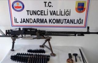 Tunceli'de doçka silahı ve mühimmatı ele...