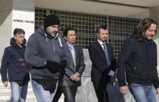 Yunanistan'a kaçan darbeci askerler için mahkeme...