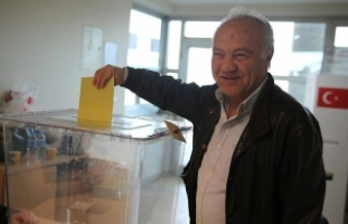 Yurt dışında 1 milyon 241 bin seçmen oy kullandı