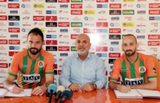 Aytemiz Alanyaspor'da iki futbolcunun sözleşmesi...