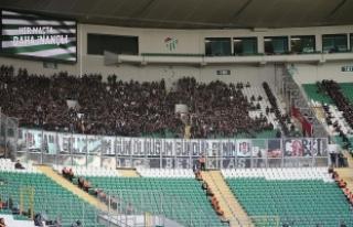 Beşiktaş taraftarı Timsah Arena'ya maddi zarar...