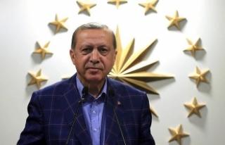 Erdoğan altın madalya kazanan sporcuları kutladı