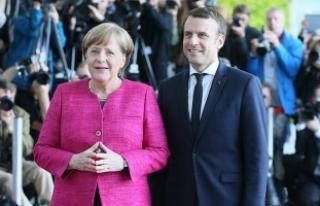 Macron ilk yurt dışı ziyareti için Berlin'de