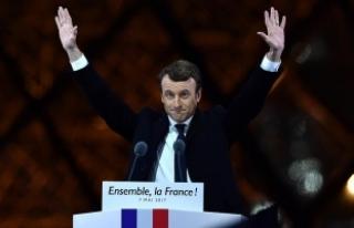 Macron, Philippe'in kurduğu hükümeti onayladı