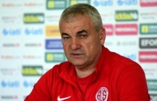 Rıza Çalımbay, Trabzonspor'la sözleşme imzaladı