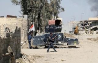 Irak güçleri DEAŞ'ın havaya uçurduğu camiye...