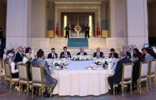 Yıldırım, Başbakanlık personeline iftar verdi