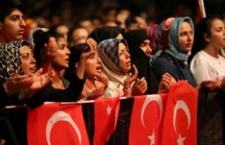"""İstanbul'un değişik noktalarında, """"demokrasi..."""