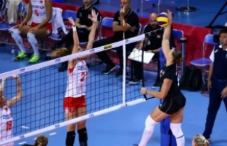 A Milli Bayan Voleybol Takımı ikinci maçında galip