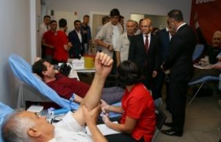 Başbakan Yardımcısı Şimşek: Hiçbir darbe geçen...
