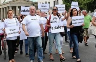 CHP yürüyüşünde Türk bayrağına yasak!