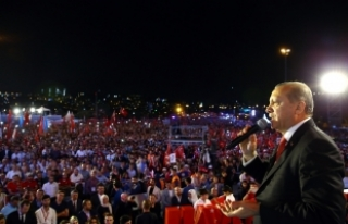 Cumhurbaşkanı Erdoğan: Tekbirle tankın üzerine...