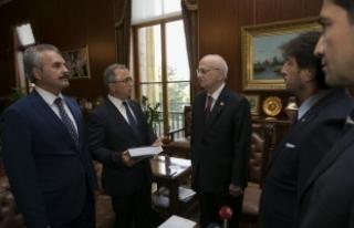 Darbe Komisyonu raporunu TBMM Başkanı Kahraman'a...