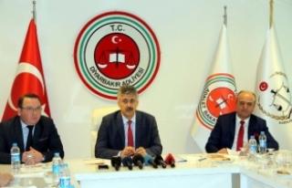 Diyarbakır Başsavcısı Güre: FETÖ/PDY'ye...